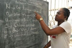 """""""Le nouchi ivoirien, une langue à défendre!"""" (Source: http://www.lebabi.net/actualite-abidjan/le-nouchi-ivoirien-une-langue-a-defendre-14233.html)"""