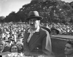 Egon Erwin Kisch in Australia (Source: Wikipedia)